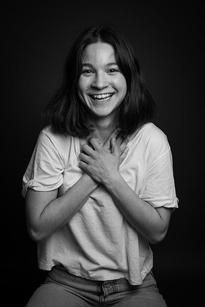 Justine Petitjean Comédienne Lyon noir et blanc