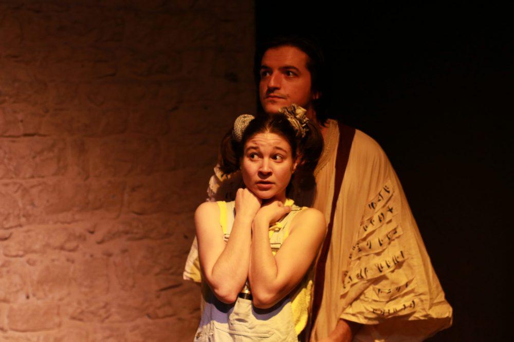 Justine Petitjean et Enzo Pirat dans Raconte-moi une étoile de la Compagnie Pleine louve